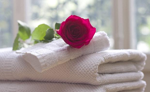 белый кухонный текстиль