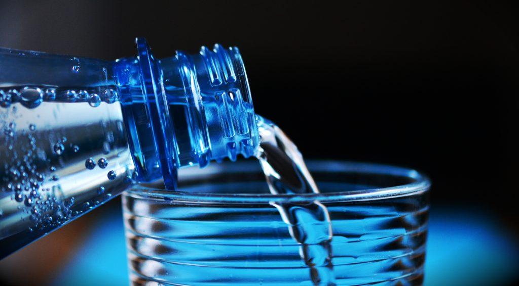 Минеральная вода: что это и как применять