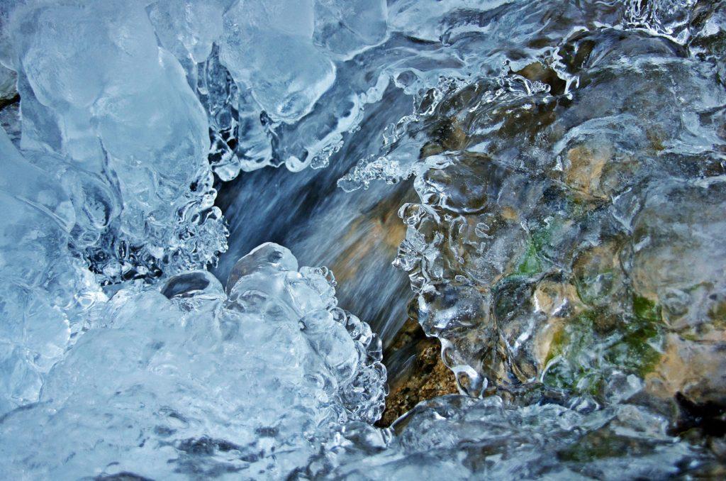 Чистая вода: что это и как определить