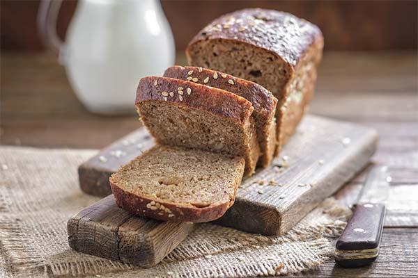 Как хранить хлеб, чтобы он не черствел