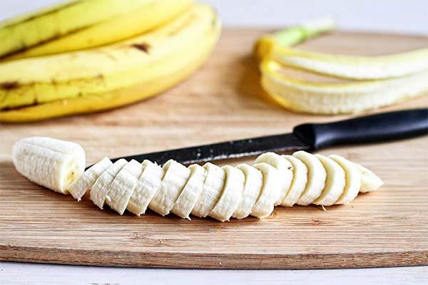 Как правильно вводить бананы в рацион кормящей мамы