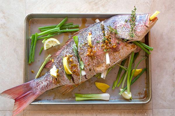Как вкусно приготовить морского окуня