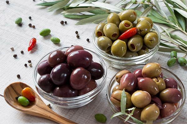 Применение оливок и маслин в кулинарии